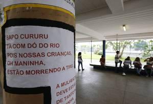 Alunos da escola próxima à de Maria Eduarda fazem versão de cantiga para protestar contra a violência Foto: PABLO JACOB / Agência O Globo