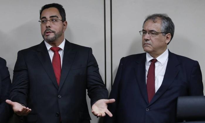 PF investiga se Sérgio Cabral financiou dossiês contra Marcelo Bretas
