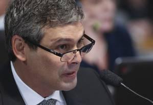O senador Lindbergh Farias (PT-RJ) durante a sabatina de Alexandre Moraes na CCJ Foto: Ailton de Freitas / Agência O Globo/14-02-2017