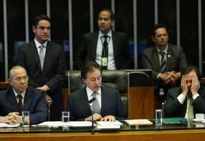 Presidente da Casa, Eunício Oliveira, manteve as votações previstas para o dia Foto: Ailton de Freitas / Agência O Globo