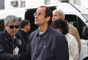 Marcelo Odebrecht é levado pela Polícia Federal Foto: Geraldo Bubniak / Agência O Globo / Geraldo Bubniak / Agência O Glob