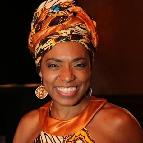 """Duplamente feliz. """"Ser negro e fazer teatro no Brasil são dois atos de resistência"""", diz Vilma Melo Foto: Divulgação / Divulgação/Alessandro Costa"""