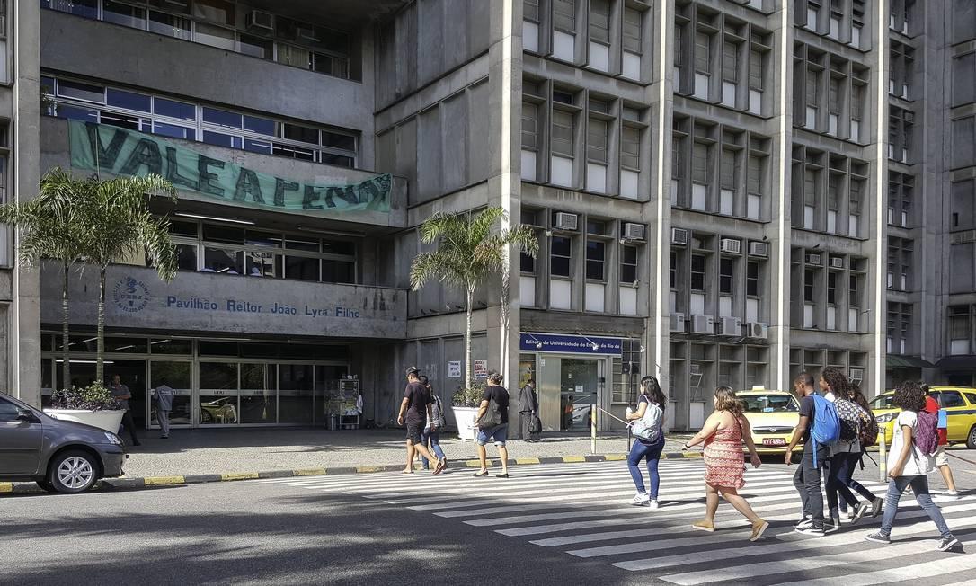Governo estadual propõe que Uerj, Uenf e Uezo economizem R$ 15 milhões por mês Foto: Leo Martins / Agência O Globo