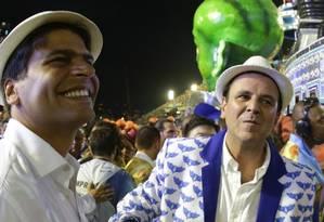 Eduardo Paes e Pedro Paulo no desfile da Portela de 2016 Foto: Marcelo Theobald / Marclo Theobald