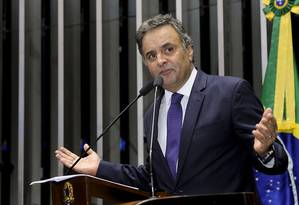 Na tribuna, Aécio Neves cobra divulgação de banco e suposta conta em Nova York Foto: Agência Senado