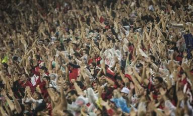 Torcida do Flamengo em grande número no Maracanã Foto: Guito Moreto