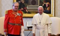 Festing e o Papa Francisco Foto: AFP