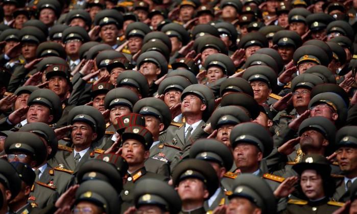 Trump diz que líder da Coreia do Norte 'precisa se comportar'