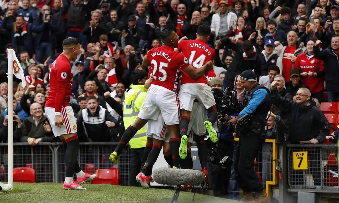 Manchester United Derrota O Chelsea E Ajuda O Tottenham