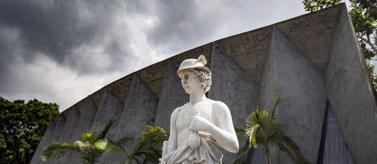 Planetário: O terreno da Cehab onde fica o Planetário da Gávea vai a leilão Foto: Ana Branco / Agência O Globo