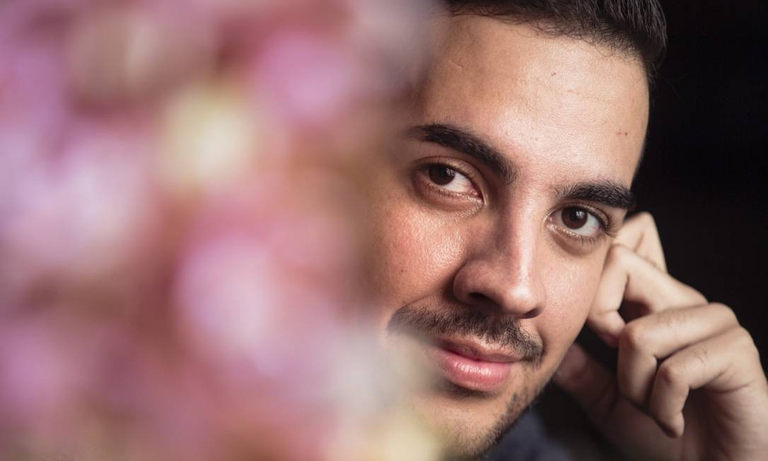 """""""A inclusão de pessoas LGBT nos mais variados setores da sociedade não existe"""", ressalta o antropólogo Renan Antônio da Silva Foto: Leo Martins / Agência O Globo"""