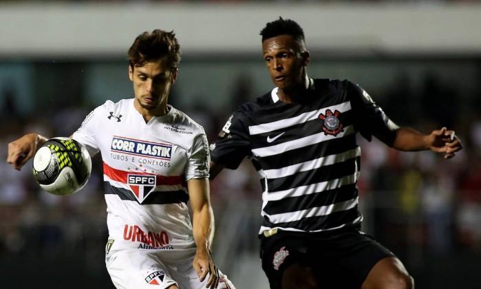 Resultado de imagem para São Paulo x Corinthians Rodrigo caio