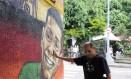 Miguel Ayoub, de 19 anos, morto em assalto em Laranjeiras, perto de casa: grafite emociona tio do rapaz, Jorge Ferreira Foto: Guilherme pinto / Agência O Globo