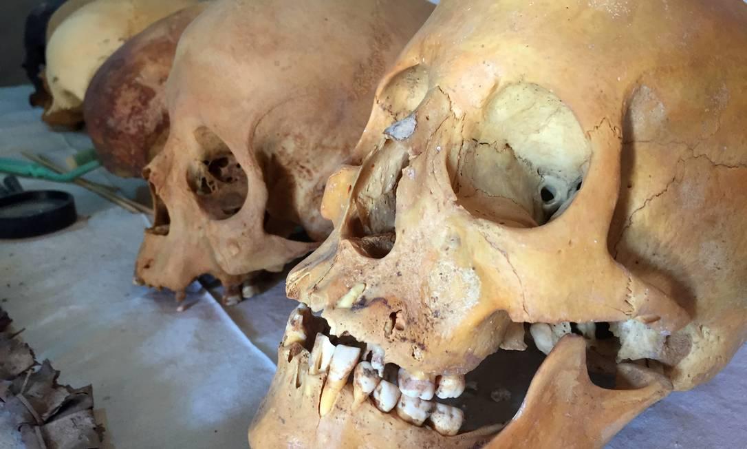 Crânios também foram encontrados na tumba em Dra Abu-el Naga, na margem ocidental do Rio Nilo STAFF / REUTERS