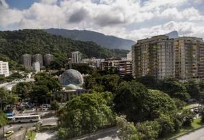 O Planetário da Gávea fica em um terreno da Cehab Foto: Ana Branco / Agência O Globo