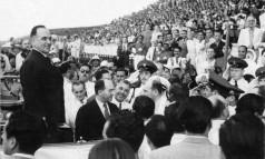 Política. Comemorações do Dia do Trabalho: Getúlio Vargas lançou CLT no Estádio de São Januário Foto: 01/05/1941 / Agência Nacional