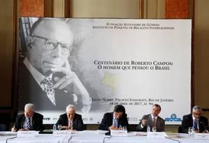Ex-presidente do BC, Gustavo Franco, fala durante evento sobre o centenário de Roberto Campos, no Palácio do Itamaraty Foto: Fabio Rossi / Agência O Globo