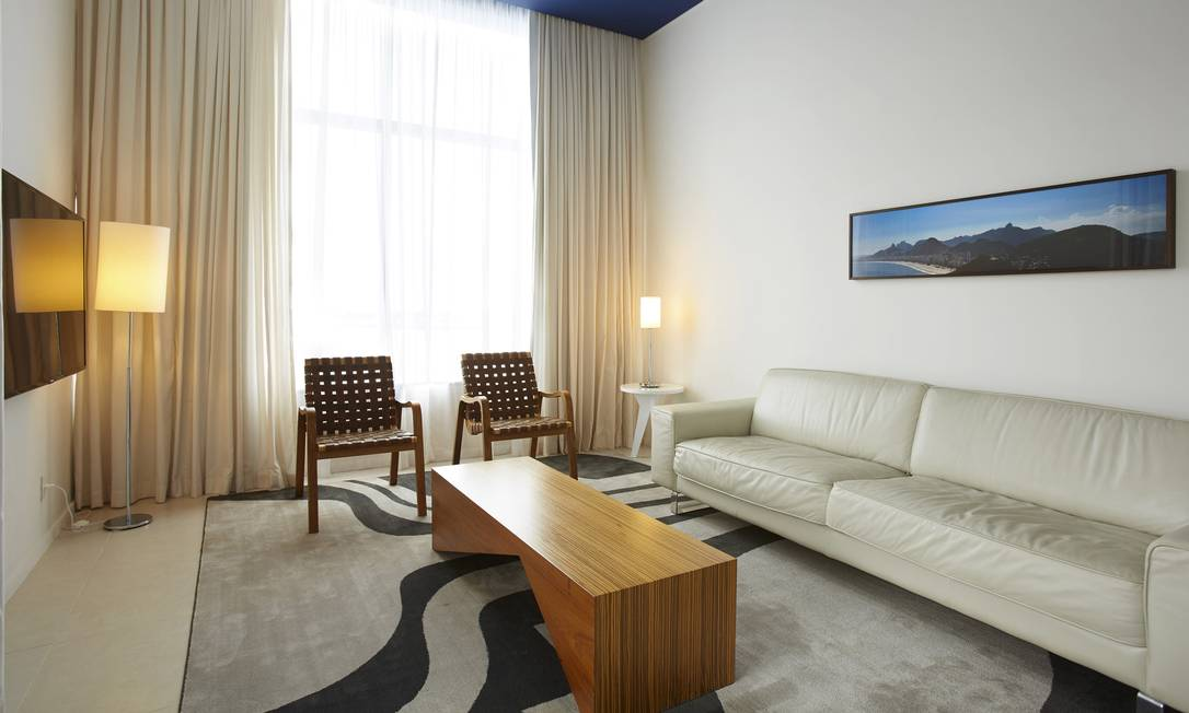 O Grand Mercure Riocentro, na Barra, tem móveis assinados pelo designer Paulo Alves, conhecido por sua mistura de elementos rústicos e contemporâneos Guto Costa