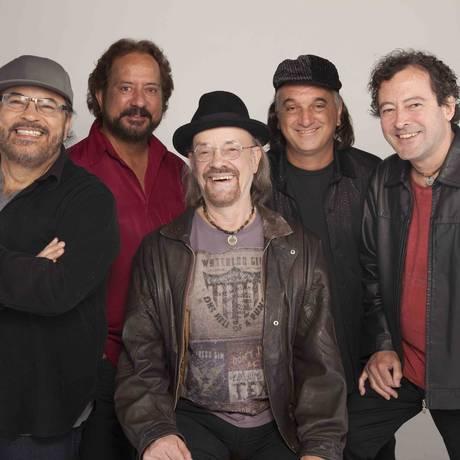 The Fevers: banda tem mais de 50 anos de carreira Foto: Edu Lissovsky / Divulgação