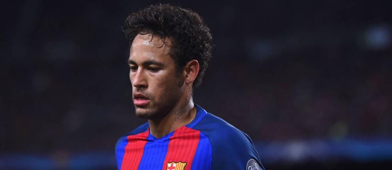 Neymar em ação contra a Juventus: craque brasileiro chamou a responsabilidade na eliminação do Barcelona Foto: JOSEP LAGO / AFP