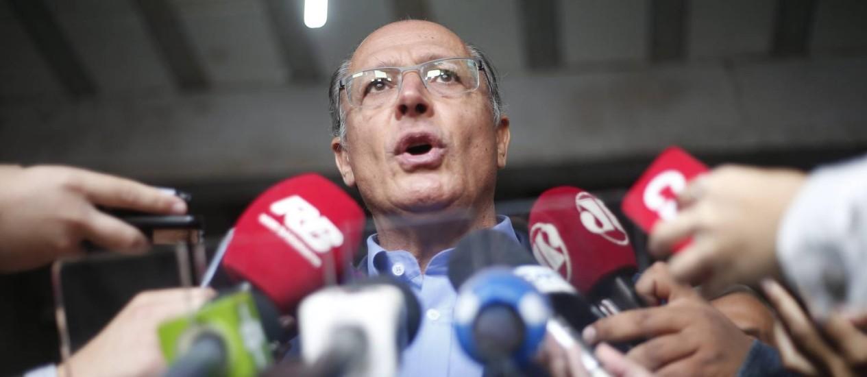 Governador de São Paulo, Geraldo Alckmin, participa de agenda na perifieria da cidade, no bairro M Boi Mirim Foto: Marcos Alves / Agência O Globo