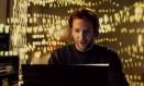 """O ator Bradley Cooper em cena do filme """"Sem limites"""", em que interpreta um escritor que usa uma fictícia droga experimental para superar um bloqueio criativo: riscos e benefícios, assim como questões éticas, devem ser avaliados, apontam pesquisadores Foto: Divulgação"""