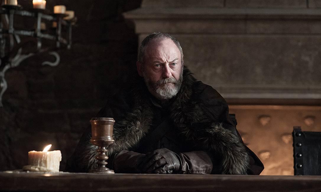Liam Cunningham como Davos Seaworth, o antigo conselheiro de Stannis Baratheon agora está do lado de Jon Snow HELEN SLOAN / HBO