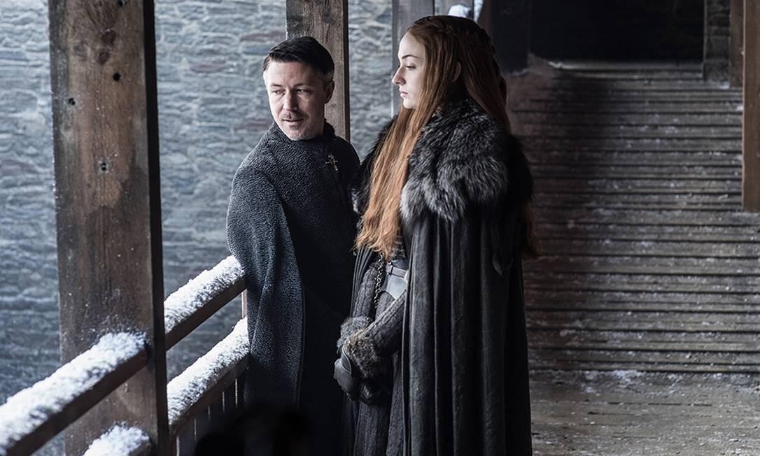 Mindinho (Aidan Gillen) deve seguir suas conspirações ao lado de Sansa Stark (Sophie Turner) HELEN SLOAN / HBO