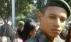 Cabo do Exército, Bruno foi baleado dentro de casa, no Complexo do Alemão Foto: Reprodução