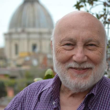 O sociólogo italiano Domenico de Masi defende que desenhar o futuro é a mais nobre tarefa dos indivíduos, ainda mais em tempos confusos Foto: Divulgação