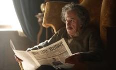 O ator australiano Geoffrey Rush vive Albert Einstein na série da National Geographic Foto: National Geographic/DusanMartincek