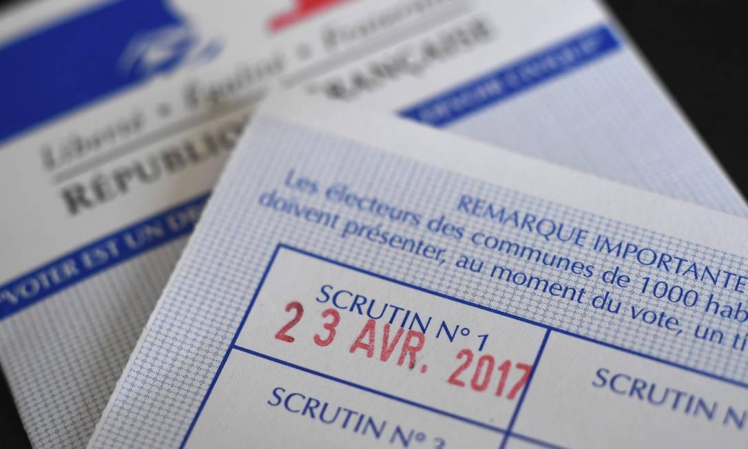 A eleição deste domingo é considerada a mais acirrada da história recente da França, com quatro candidatos com chances de seguir para o segundo turno Foto: DAMIEN MEYER / AFP