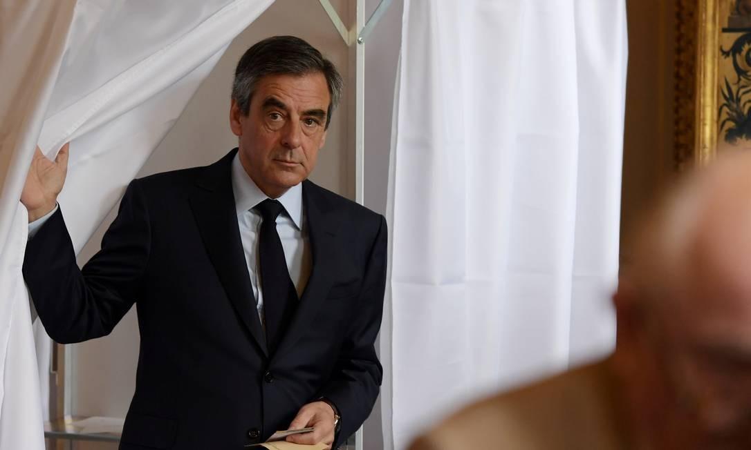 Premier no governo de Sarkozy, Fillon foi considerado o favorito para a Presidência, mas sua candidatura foi afetada por denúncias de que teria dado empregos-fantasma a sua mulher e filhos Foto: POOL / REUTERS