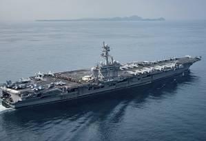 O porta-aviões nuclear Carl Vinson navega para a Península Coreana Foto: MC2 Sean M. Castellano / AP