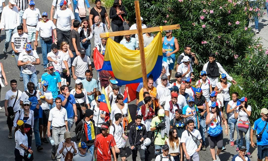 Oposição organiza 'marcha em silêncio' após mortes na Venezuela