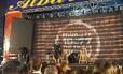 Parte direita do palco onde havia um camarote cedeu e seis pessoas ficaram levemente feridas Foto: Twitter/Reprodução