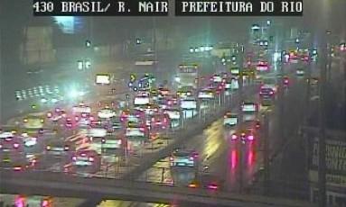 Avenida Brasil com pontos de retenção na volta do feriadão Foto: Reprodução