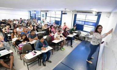 Sala candidatos a concurso Foto: Roberta Moreyra / Extra/Agência O Globo