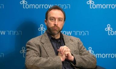 Arquivo. Jimmy Wales, fundador da Wikipédia Foto: Ronen Zvulun / REUTERS