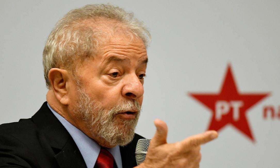 'Se Palocci cometeu algum erro, só ele sabe', diz Lula ao desdenhar de delação