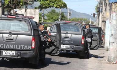 Operação policial no Morro do Alemão Foto: Marcia Foletto / Agência O Globo