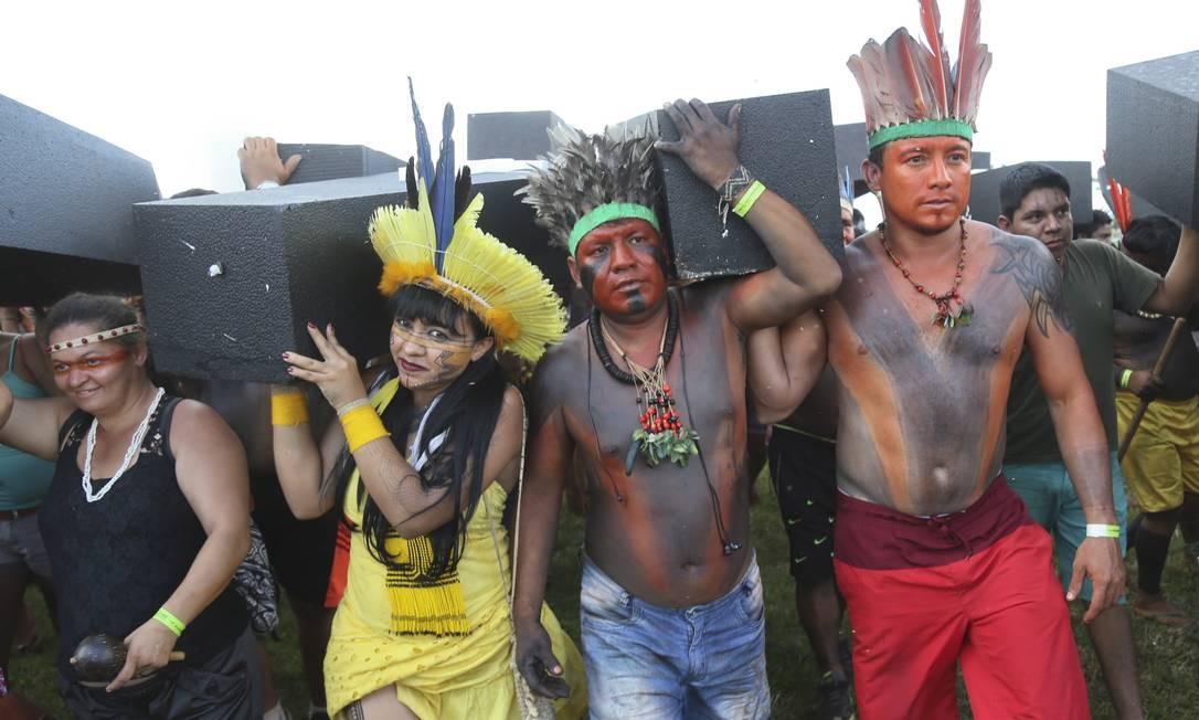Diversas etnias participaram da manifestação Foto: Andre Coelho / Agência O Globo