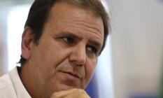 Paes disse que Crivella faz terrosismo para aumentar impostos no município Foto: Custódio Coimbra / Agência O Globo - 28-12-2016