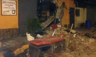 Destruição em estabelecimento comercial após ação de bandidos Foto: Reprodução