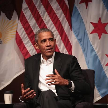 O ex-presidente dos EUA Barack Obama fala durante um fórum na Universidade de Chicago Foto: SCOTT OLSON / AFP
