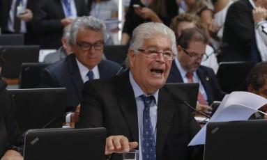 Comissão de Constituição Justiça e Cidadania CCJ, discute projeto de abuso de autoridade, que tem relatoria de Roberto Requião Foto: Ailton Freitas / O Globo
