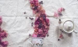 O chá de flores de Marina Malinovaya Foto: Reprodução/Instagram