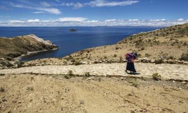 Na Bolívia, nativos vivem do que produzem no local Foto: Daniel Marenco / Agência O Globo