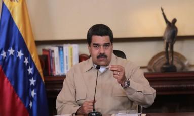 O presidente venezuelano, Nicolás Maduro, fala durante seu programa televisionado em Caracas Foto: PRESIDENCIA / AFP