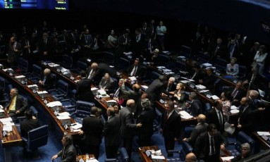 A PEC do fim do foro prevê extinção do foro privilegiado nos casos em que as autoridades tenham cometido crimes comuns Foto: Givaldo Barbosa / O Globo